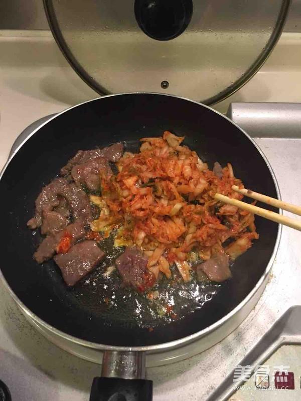 辣白菜牛肉炒饭的家常做法